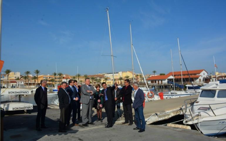 El Consejero de Fomento y el Director General de Puertos visitan el CNMARMENOR