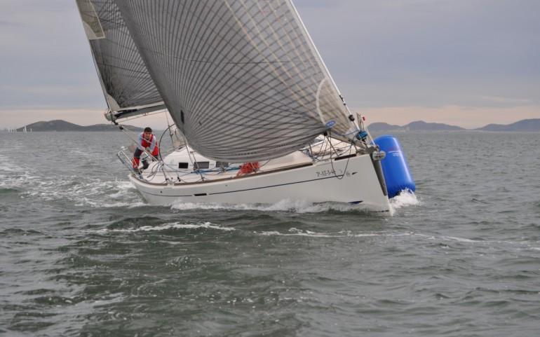 Intensa jornada de navegación en el arranque del Gran Premio Estrella de Levante