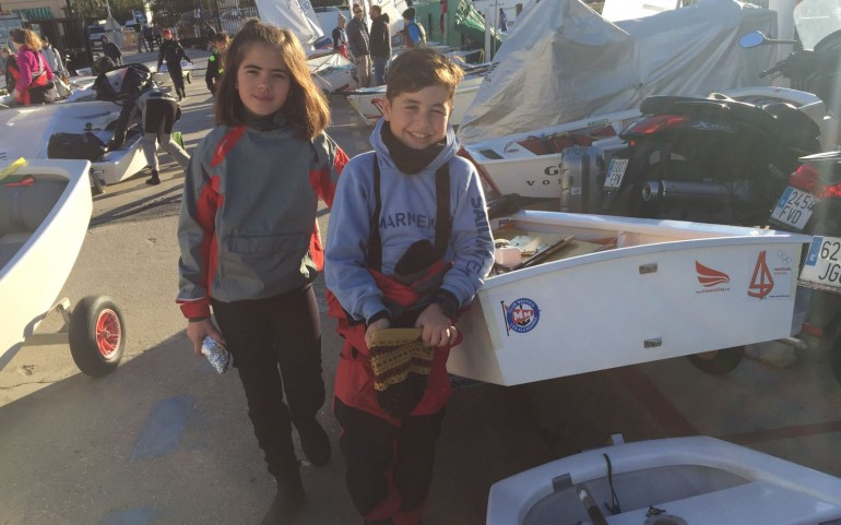 NACHO GAMBÍN Y MARINA RUIZ PARTIPAN EN LA INTERNATIONAL OPTIMIST TROPHY DE TORREVIEJA