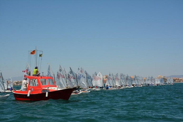 Con viento de levante y 161 inscritos se disputó la primera jornada de la XIII Rgta ASTRAPACE