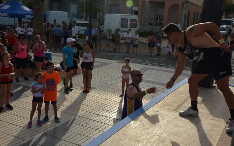Tarde muy deportiva de Zumba en favor de ASTRAPACE (Fotos: José Mª Falgas)