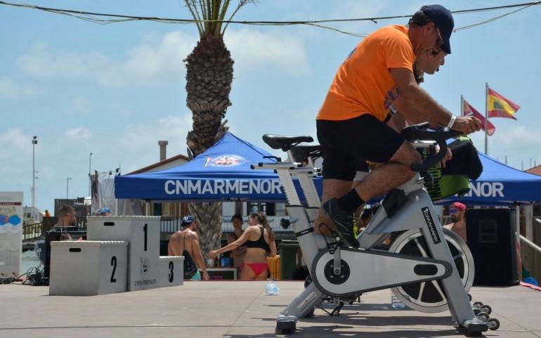 """El 'Spinning' fue la estrella de la """"Jornada Deportiva"""" (Fotos: José Mª Falgas)"""