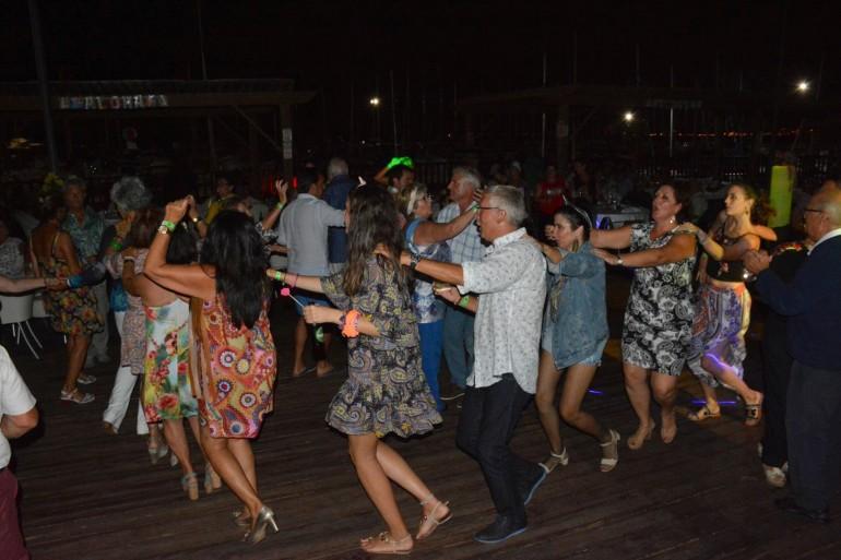 Con una fiesta de los años 70-80 finalizan las de este verano en el CNMM