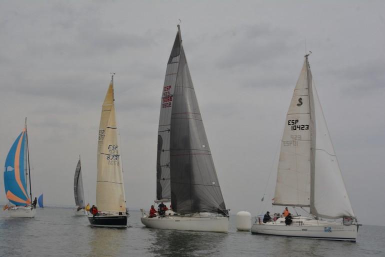 La llegada de un suave viento se hizo pesada, para luego caer acortando el recorrido y anular la prueba de Sport