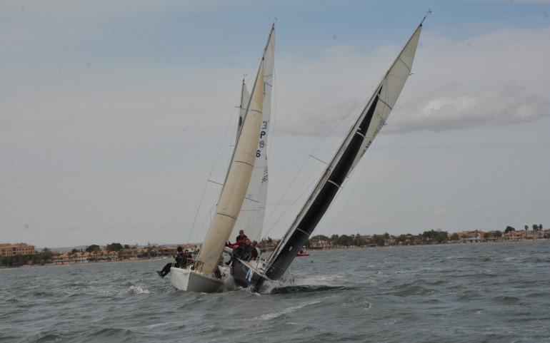 """El viento del suroeste favoreció la segunda prueba del G.P. Estrella de Levante en el 24º Trofeo """"Carabela de Plata"""""""