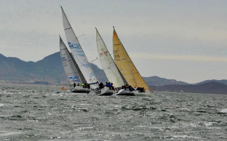 """Sábado 17, regata paralela del """"Carabela"""" y del """"Circuito Mar Menor"""" GP 'Estrella de Levante' en Los Alcázares con barbacoa"""