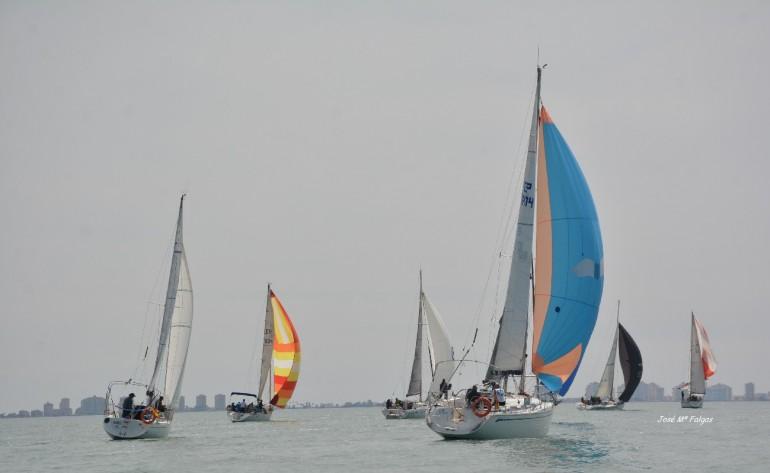 """Los roles del viento dificultan la 7ª prueba del """"Carabela"""" G.P. Ayto. Los Alcázares"""