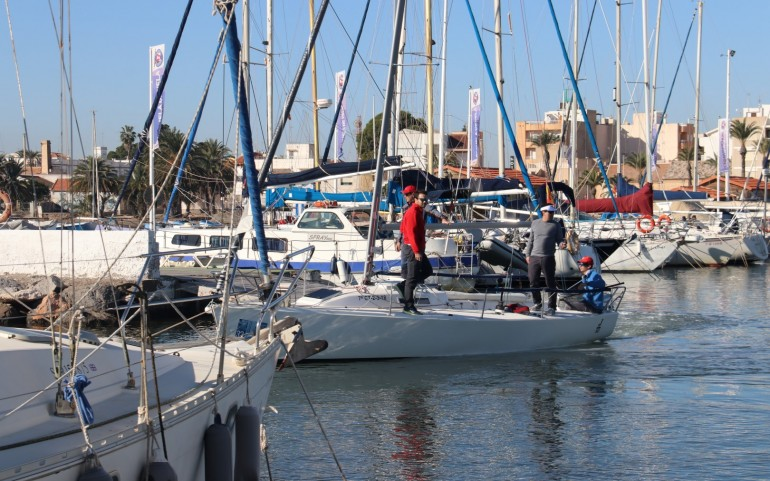 Larga jornada de espera la 2ª prueba del XXVI Trofeo Carabela (Fotos: J.Mª Falgas)