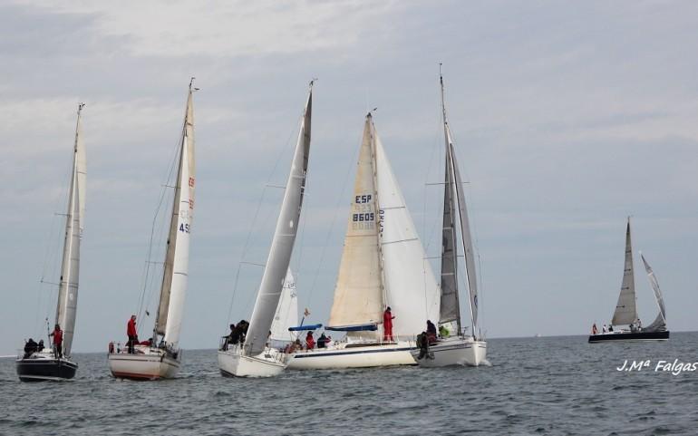 En la primera fase del XX Trofeo Carabela, la intensidad del viento no alcanzó los diez nudos