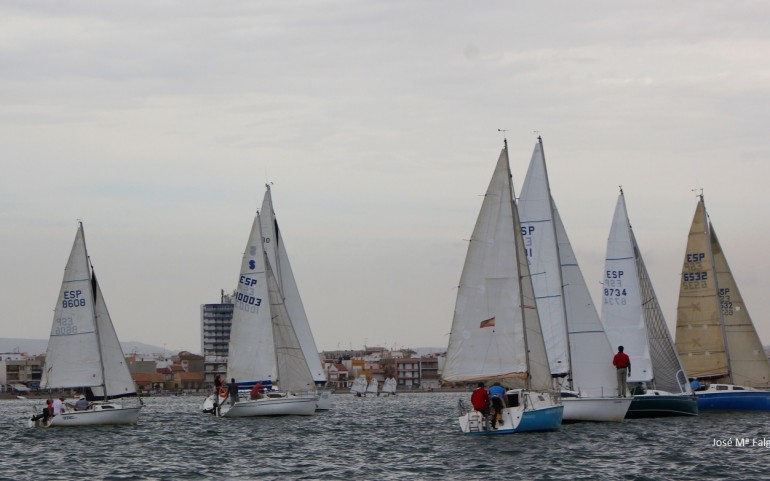Un recorrido costero puso el punto final al XX Trofeo Carabela de Plata