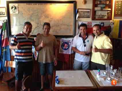 Nuestro amigo Pedro Solano haciendo patria en las Azores.