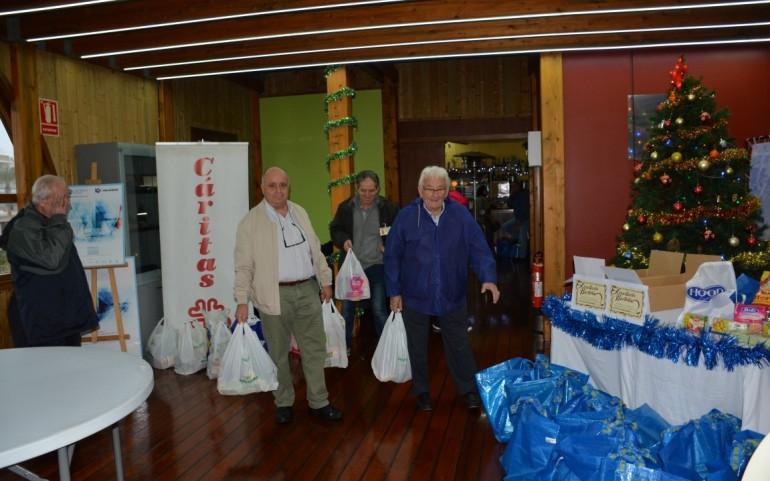 Sorteo de regalos y convivencia de regatistas en la 'Travesía del Turrón'