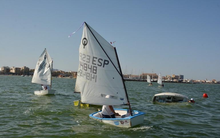 Divertida competición de Optimist (Fotos: José Mª Falgas)