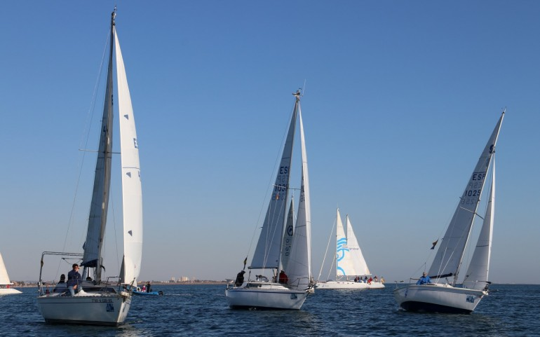 Poco viento en la 3ª prueba del XXV Trofeo Carabela-GP Estrella Levante (Fotos: Falgas)