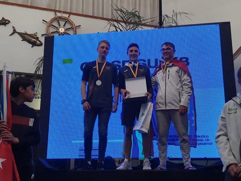 """Manu García, gana la medalla de bronce en el Campeonato de España """"Láser 4.7″"""