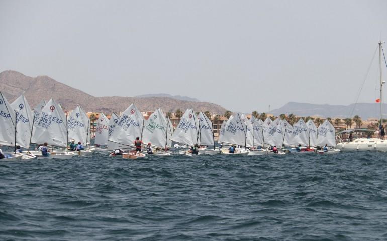 Gran espectáculo de los 150 barcos en la 1ª jornada de la Rgta ASTRAPACE (Fotos: Falgas)